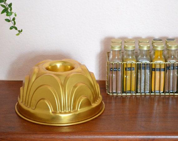 Vintage Mid century Guglhupf baking form by Dr. Oetker Gold Cake shape