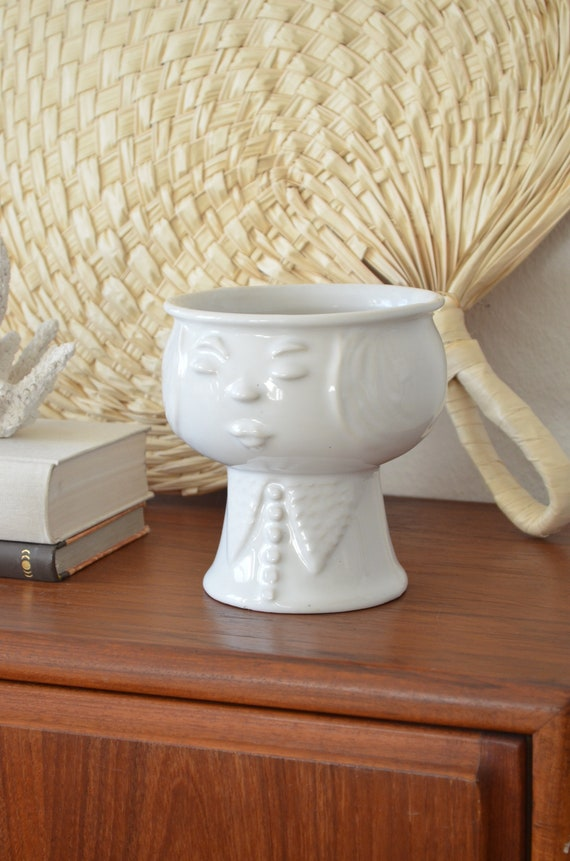 Vintage large bubihead flower pot white planter black GDR GDR plant pot