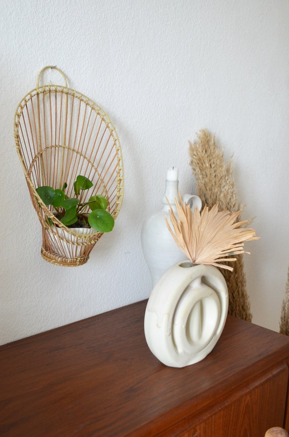 Wall plant holder Vintage wall planter Sun plant stand wicker boho 1970