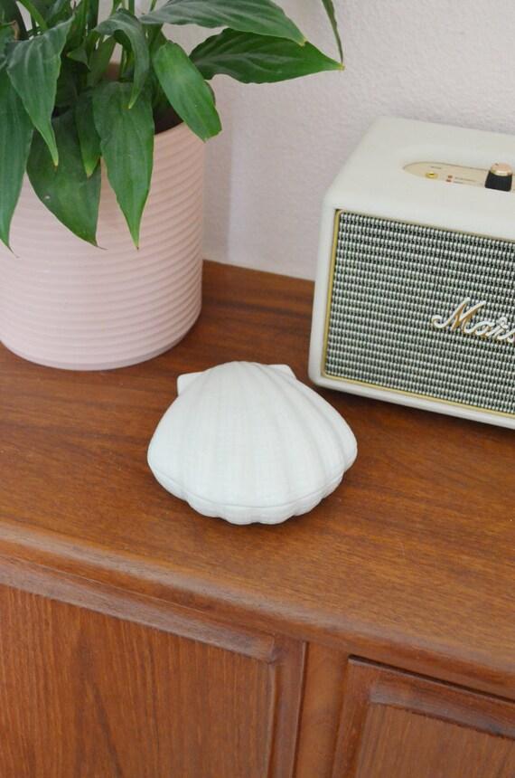 Vintage Ceramic white casket shell tin boho