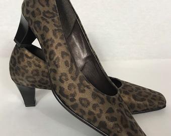 d672e90eae2f 1990's leopard pumps, Leopard shoes, Vintage shoes, Gabor vintage shoes,  Animal print shoes, Spring shoes, Autumn shoes.
