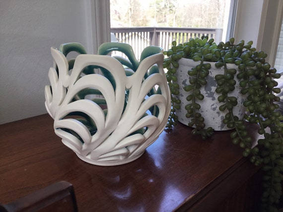 Scalloped Orchid Pot & Candle Holder