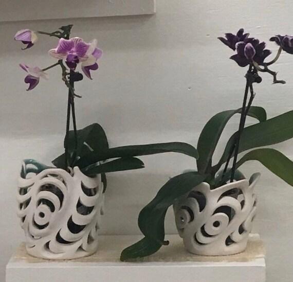 Wavy Porcelain Orchid Vase