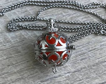 Aromatherapy (essential oil) locket