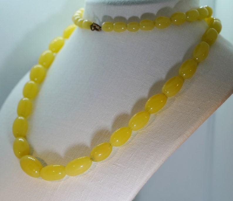 AntiqueVintage 1920s30s Yellow Peking Glass 31.5\u201d Long Necklace