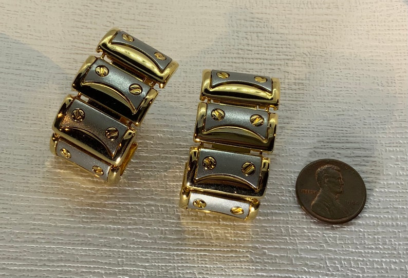Vintage 1980s90s Statement Gold and Matte Tone Silver Chain Link Clip On Earrings