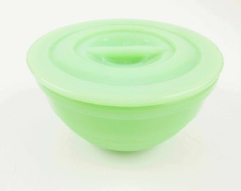 A Small 'McKee' Jadeite Ribbed Bowl With Pinch Lid - Green Opaque Milkglass - Collectible - Jadeite Green Bowl With Lid - Jadite –Vintage