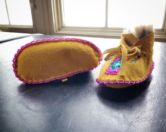 Baby Moccasins - Beaded Moccasins - Buckskin - Beadwork - Rabbit Fur - Native Baby - Booties - Native American