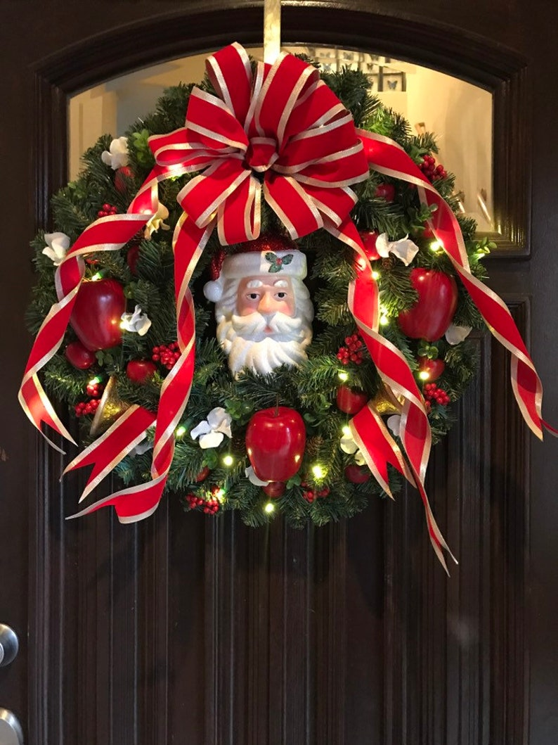 The ONLY Home Alone Wreath With Lights Replica