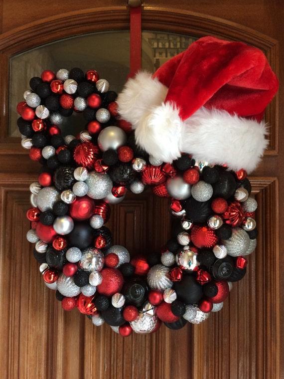 image 0 - Mickey Mouse Christmas Wreath