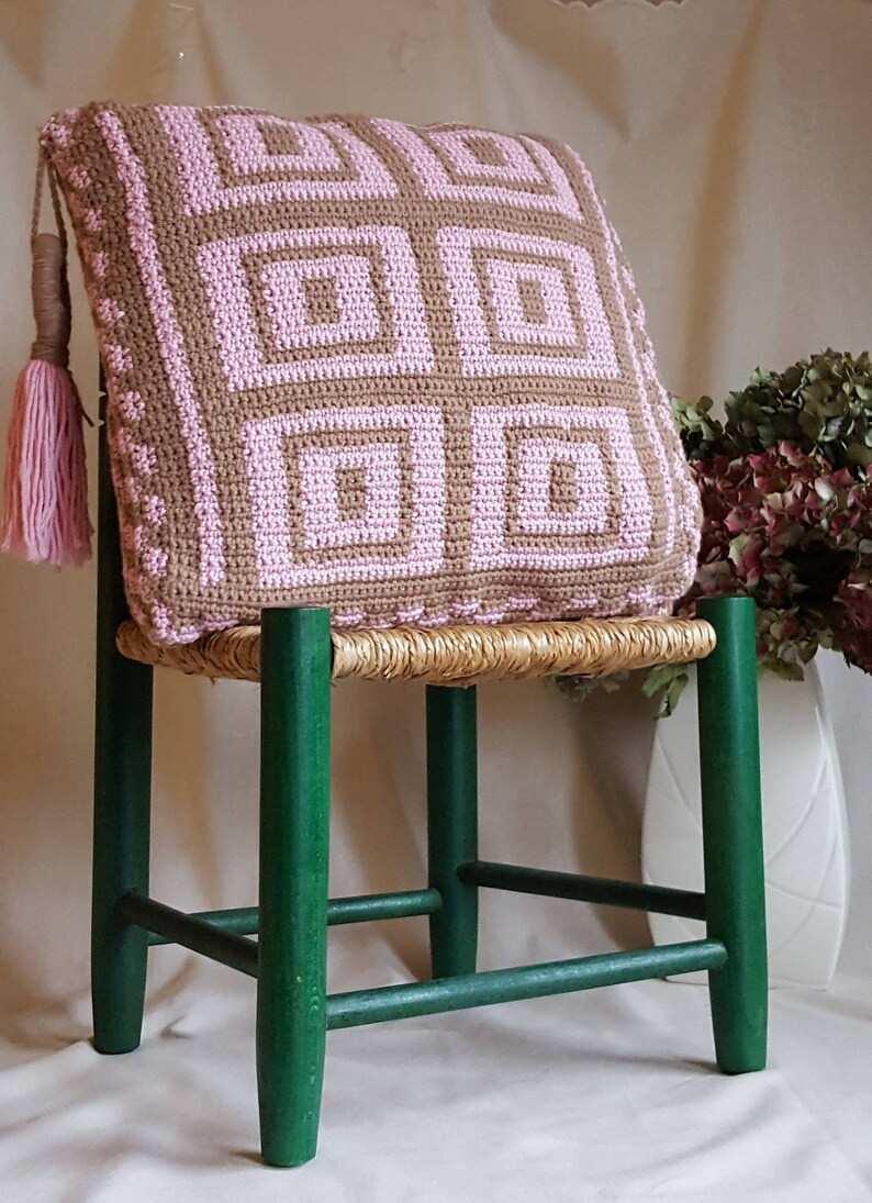 Modern Crochet cushion Pattern in square design, tapestry style large  crochet cushion - instant download pdf pattern