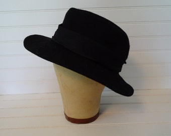0152601b Vintage Black Wool Fedora Hat, Small Ladies 100% Wool Chapeau, Lancaster  Made in U.S.A., Size Small 21