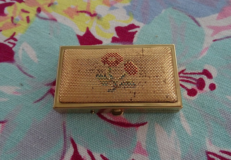 Vintage Gold Pill Box, Woven Floral Top Pill Container, Small 2 Well Pill  Bar Box, Mid Century Pill Box, Soft Top Medicine Storage
