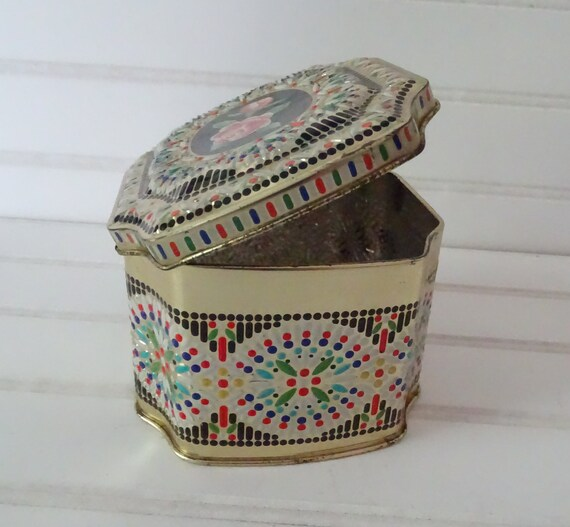 Vintage Decorative Tin English Candy Tin Small Metal Storage Container Pretty Vanity Storage Embossed Colorful Design with Rose Accent