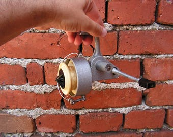 Metal Fishing Reel USSR Vintage Spinning Reel Fishing Tackle Fishing Fishing Decor Spinning Reel Old Soviet Spinner 1970s