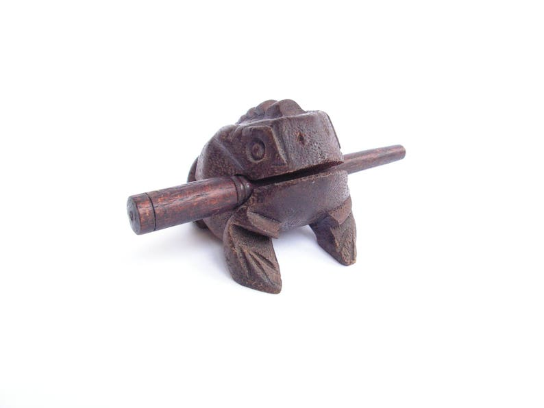 Vintage wooden frog Croaking frog figurine Singing frog figure Sitting croaking frog Home d\u00e9cor Collectible frog Carved frog