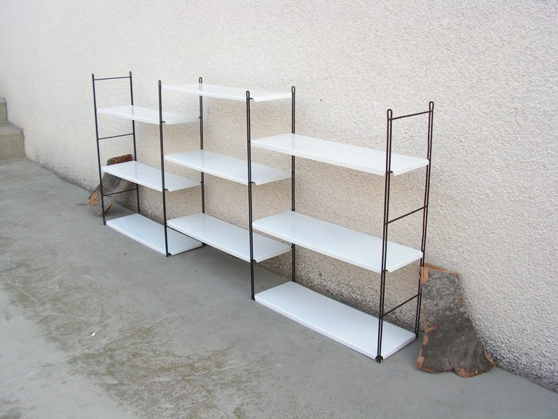 Plank Plat Tegen Muur Bevestigen.Vintage String Planken Metalen Muur Wit Plat Nos Vintage Etsy