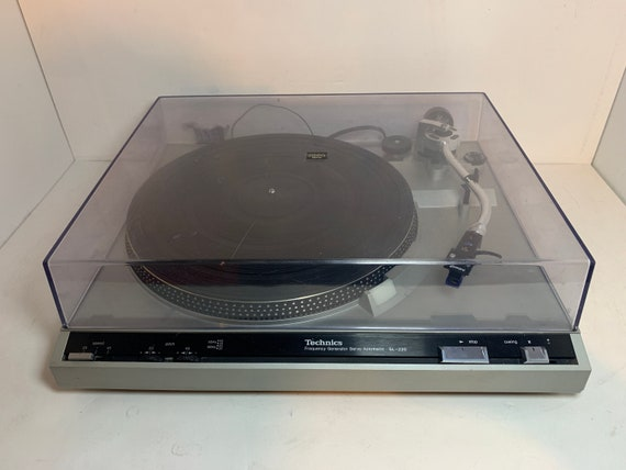 Technics SL-220 SERVICED Silver vintage belt drive auto return turntable with new Gemini Headshell and new Oyster cartridge and stylus