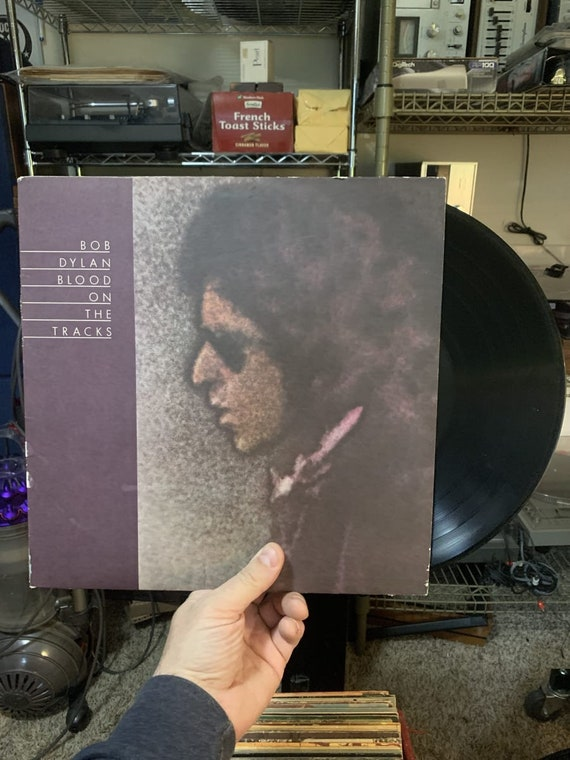 Bob Dylan Blood On The Tracks vinyl record album VG+ condition 1974, Vinyl LP, Stereo Columbia, us, PC 33235