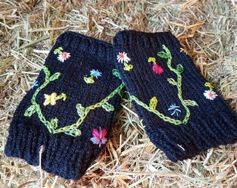 Embroidered Wool Fingerless Gloves