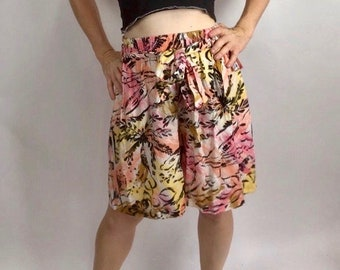 Vintage 80s 90s Festival Culotte High Waist Shorts Pleated Tropical Hawaiian M