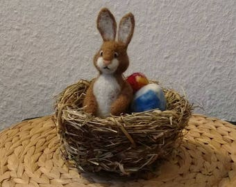 Easter Bunny in the nest, felted, with colourful eggs, beautiful Easter, natural, handmade, bunny, Rabbit, Hare, Filztier, Filzfigur, unique