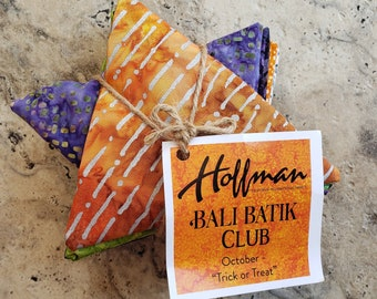 "Hoffman Bali Batik Club - October ""Trick or Treat"" - 12 Coordinating Fat Quarters - Quilting Cotton"