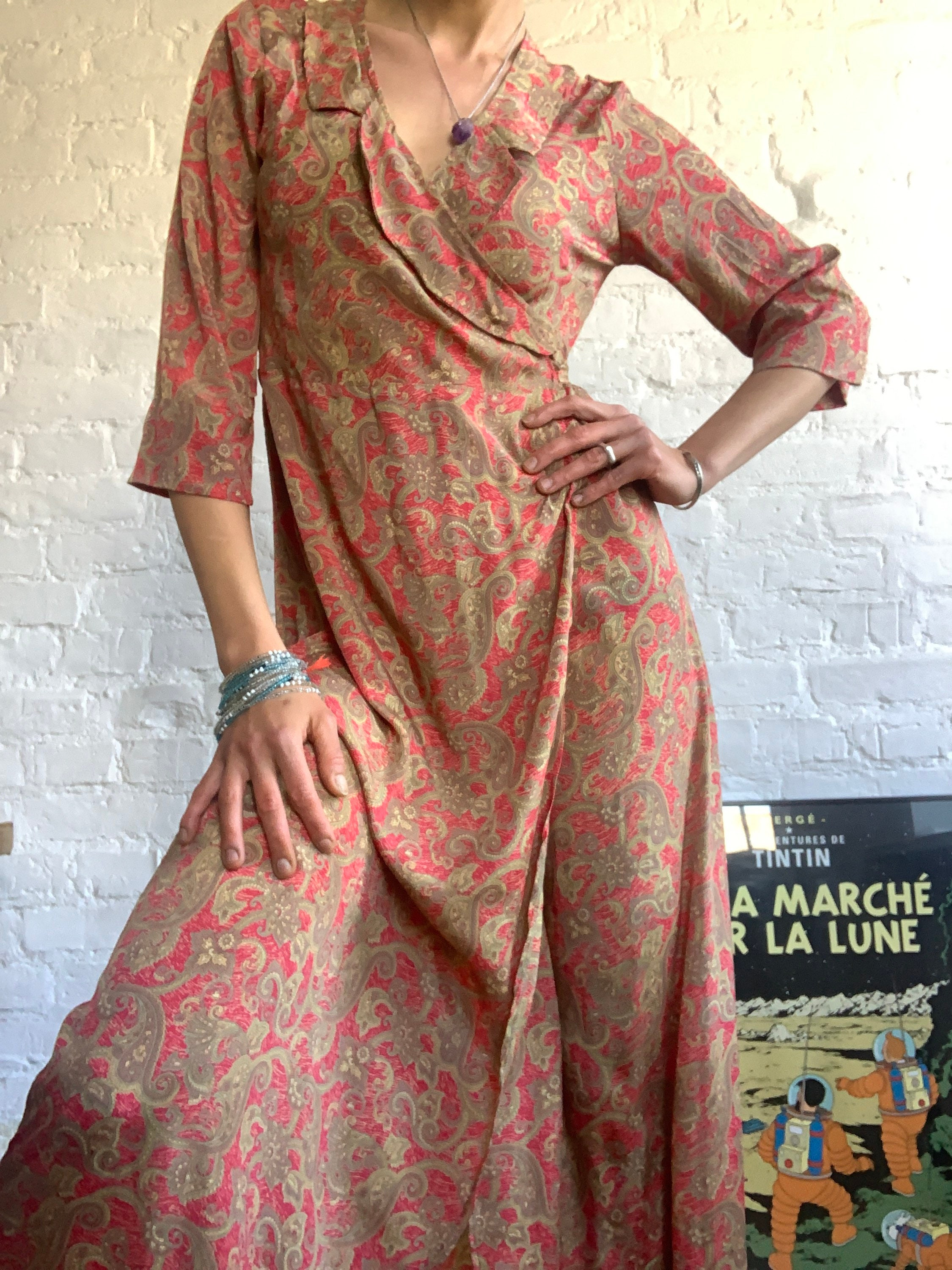 Vintage Aprons, Retro Aprons, Old Fashioned Aprons & Patterns Brown Floral A Line Wrap Tie Casual Bohemian Maxi Apron Dress Summer Vintage Silk Flare 34 Sleeve Everyday Rustic Comfy Day Petite $63.20 AT vintagedancer.com