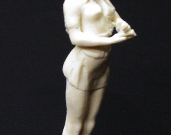 1:25 G scale model resin diner restaurant waitress