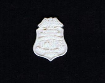 1:6 scale model resin FBI badge