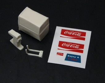 1:25 G scale model diner soda pop Coke dispenser
