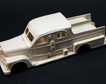 1/25 scale model resin 1958 Seagrave Sedan  Pumper fire truck conversion kit