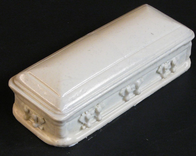 Featured listing image: 1:25 scale model resin casket hearse