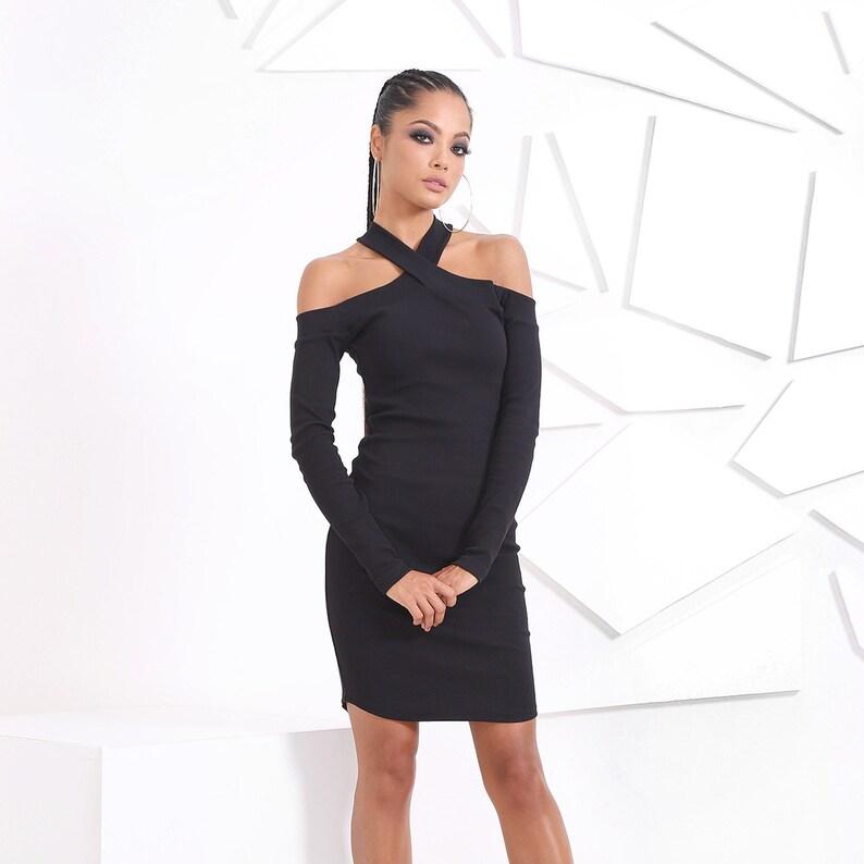 6bd3bc6f4a5 Petite robe noire   Sexy robe   Mini robe manches robe ajustée