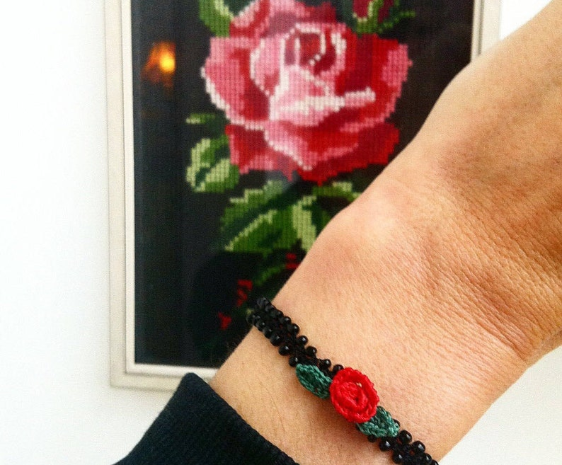 Nice crochet bracelet base black with small rose. zoownatas image 0