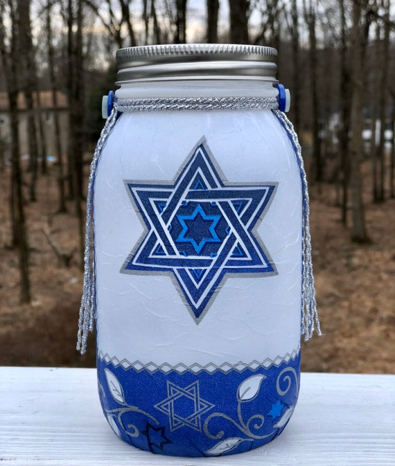 Lighted Passover jar, lighted jars, lighted bottles, jar lights, Passover decor