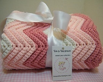 knit pink/rose/white             blue/white chevron baby blanket
