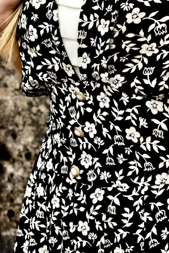 Ditsy Floral Pearl Buttoned Dress
