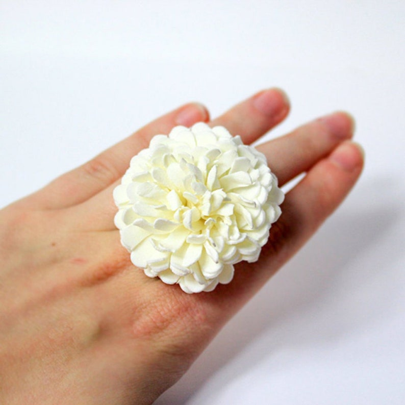 Big White Flower Ring Fluffy  Ivory Daisy Ring for Mother image 0