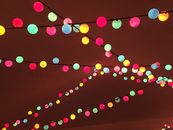 Ping Pong Ball Lights 100 Count Indoor/outdoor