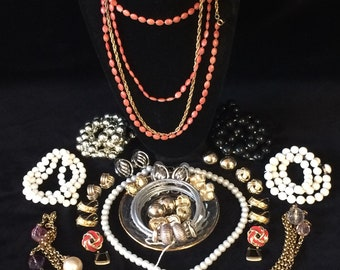 Vintage Costume Jewelry. 30 Pieces. Necklaces. Post Earrings. Braclets.