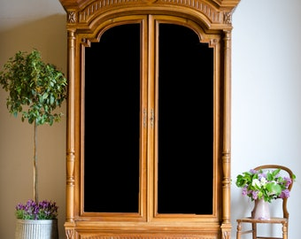 French Antique 19th Century Walnut Armoire / Linen Press / Cupboard / Wardrobe with Mirrored Doors