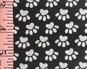 Black and White Dog Paws Fat Quarter