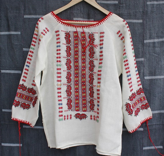Vintage Hand Embroidered European Peasant Blouse 1