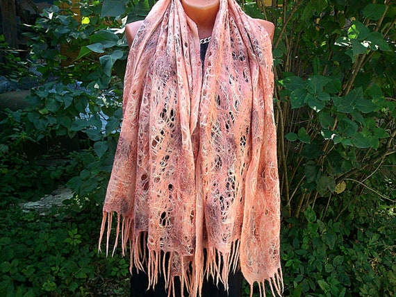 92412d3d6d4a Feutre écharpe cobweb écharpe de laine mérinos marron automne   Etsy