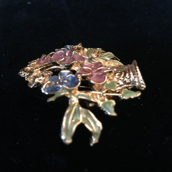 Vintage Enamel Flower Basket Pin Brooch Gold Tone… - image 3