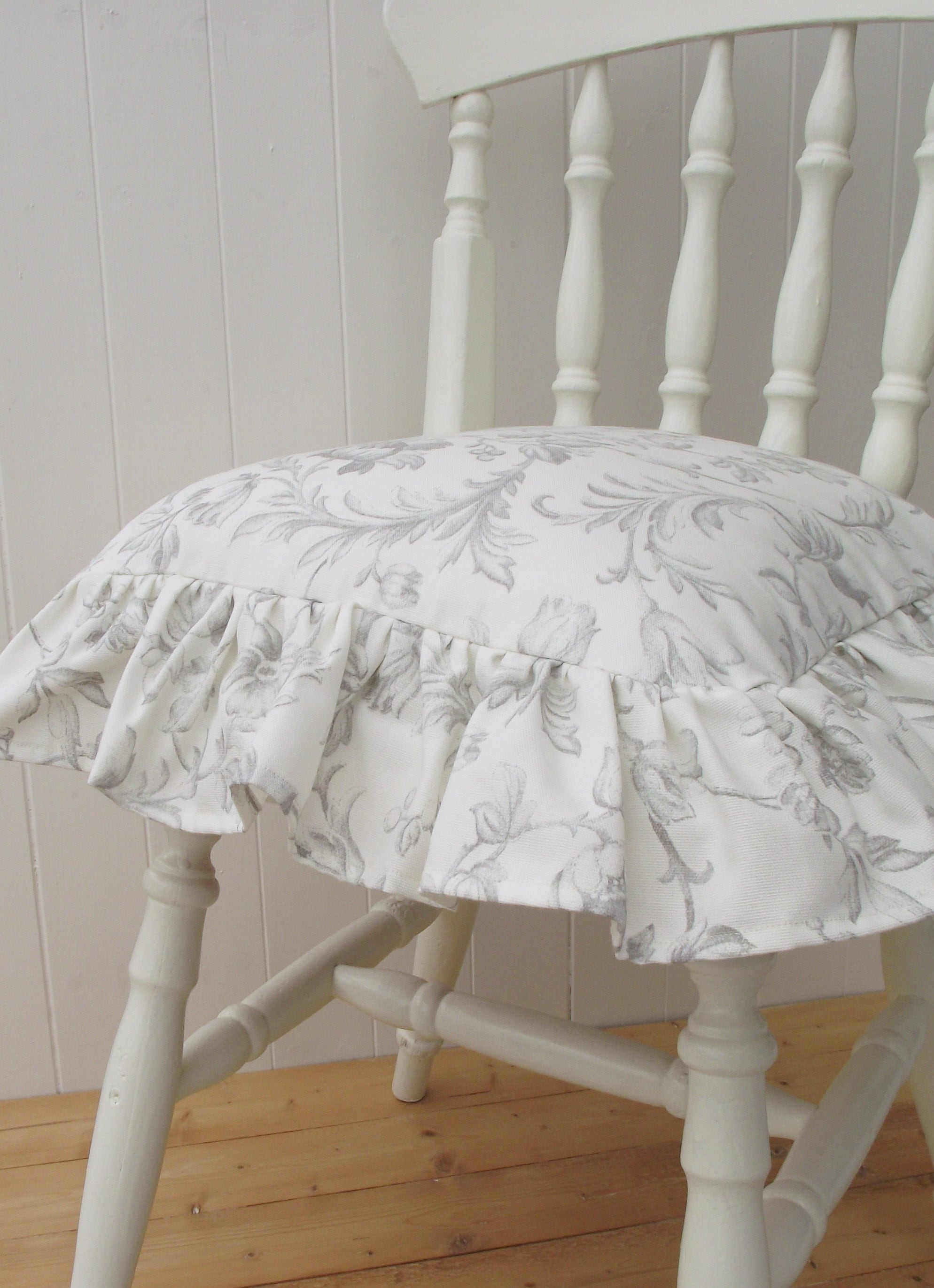 Frilled Grey Dining chair Seat Pad, Laura Ashley Iron Work Scroll Rustic  Farmhouse Chair Cushion with Bow Fastener, Includes Feather
