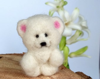 Needle felted Polar White Bear, enjoyable toy, handmade miniature, soft sculpture, pretty animals, pet Collectible dolls, woolen toy