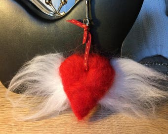Jewelry bag for heart with wings carded Merino Wool