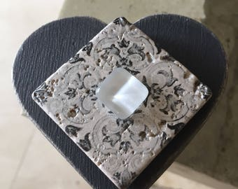 Gray heart jewelry box